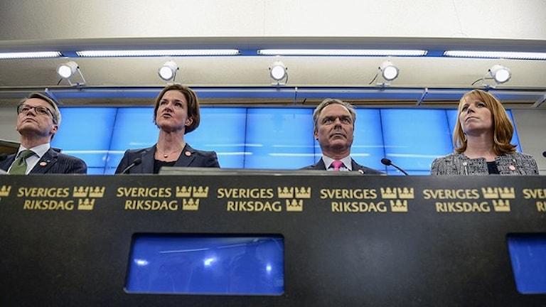 Alliansoske sherutne Göran Hägglund (KD), Anna Kinberg Batra (M), Jan Björklund (FP), Annie Lööf (C). Foto: Pontus Lundahl / TT.