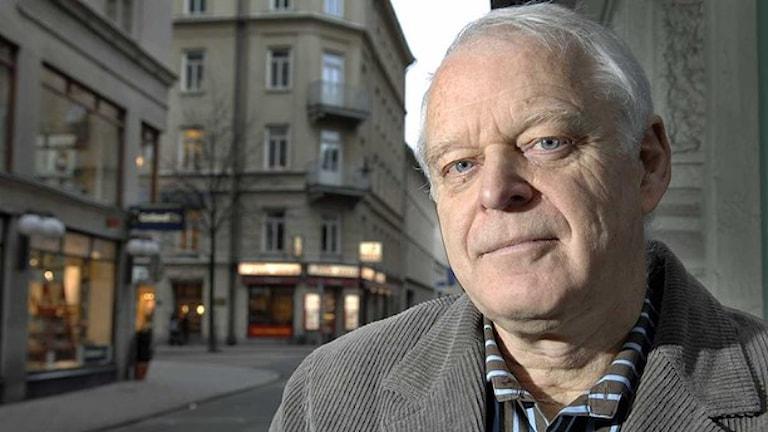 Thomas Hammarberg phenel ke si antiziganismo ande Rumunia. Foto: Lars Pehrson/TT.