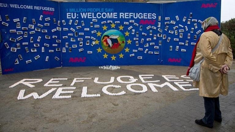 En tavla utanför EU-högkvarteret i Bryssel  Foto Virginia Mayo TT.
