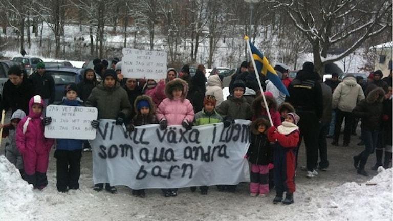 Romane azilantia kotar o Kosovo ano jekh protesto 2011 bersh. foto: SR/Radio Romano