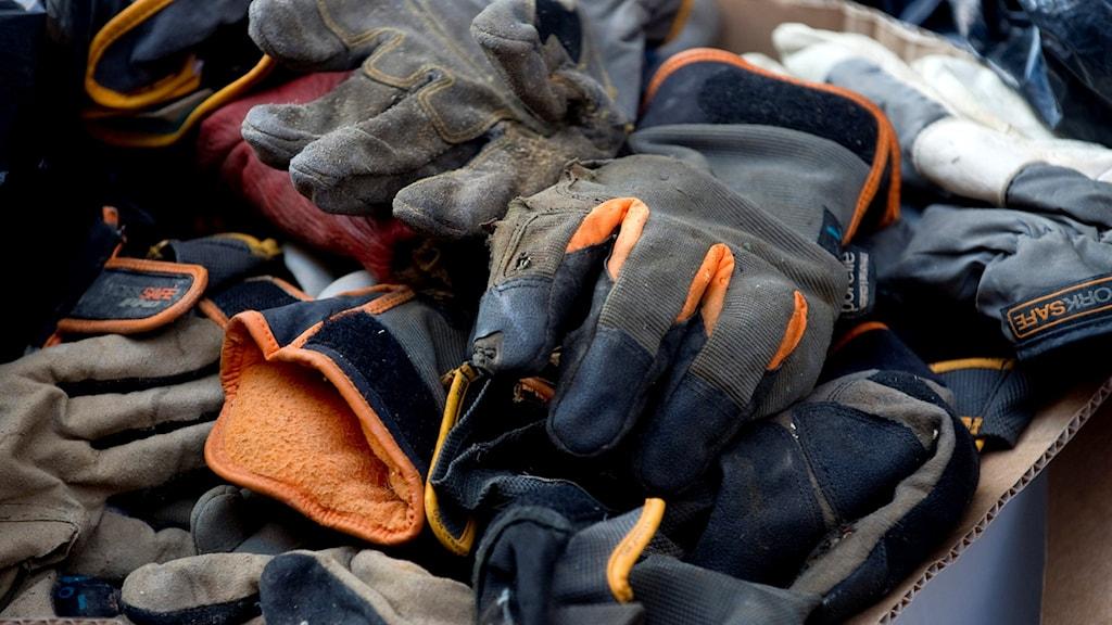 handskar Foto: PONTUS LUNDAHL / TT