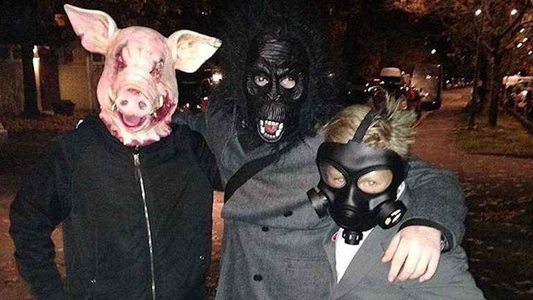 Romane chavora po Halloween.
