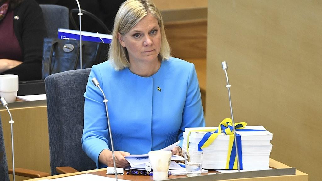 Finansministerka Magdalena Andersson del propositsia dre Riksdagen.