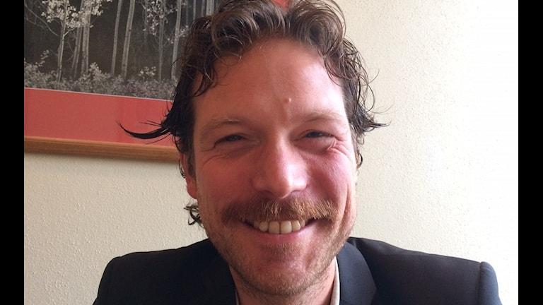 Carl Johan Folkesson redaktoro po filmo Världen är din - E Ljuma si Tjirij