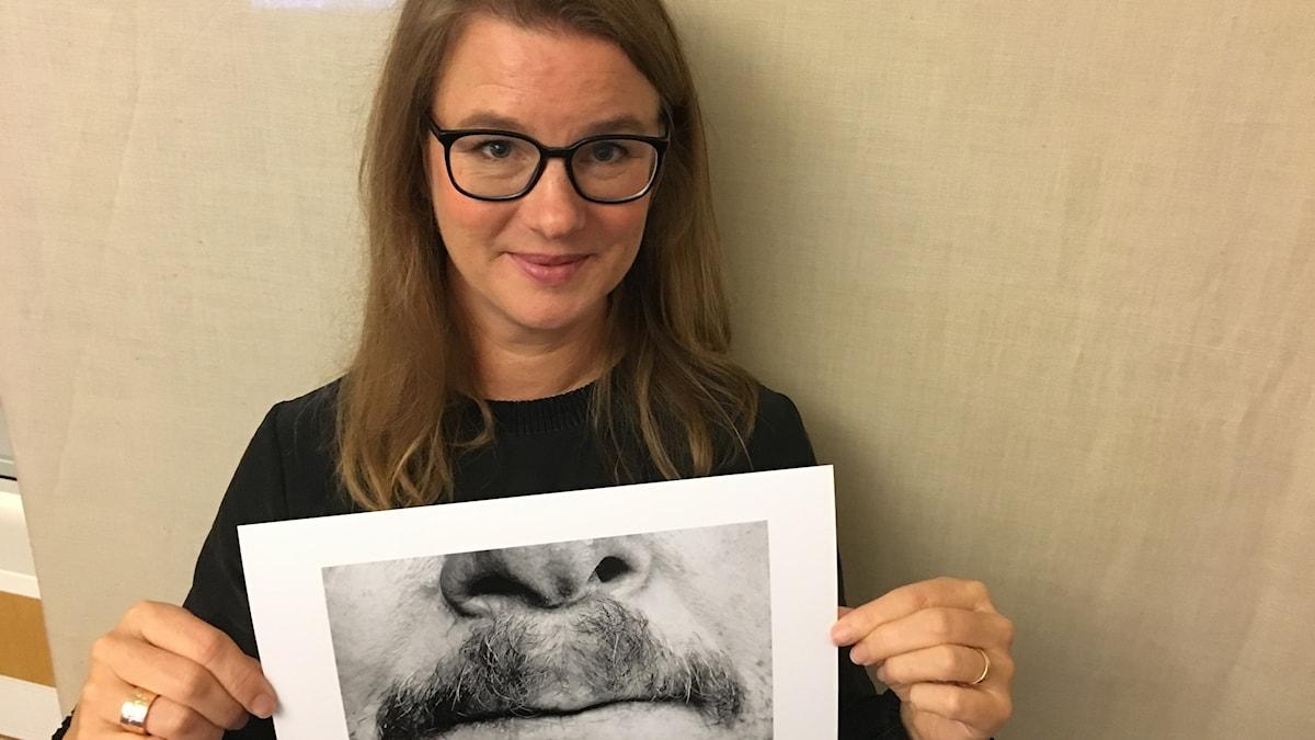 "Fotografen Anna Nordström med ""53 Blå Mustascher"""