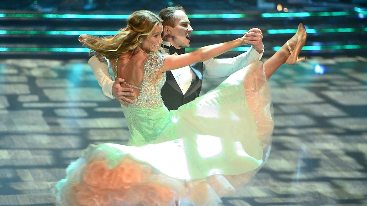 Marie Serneholt och Kristjan Lootus i Lets Dance