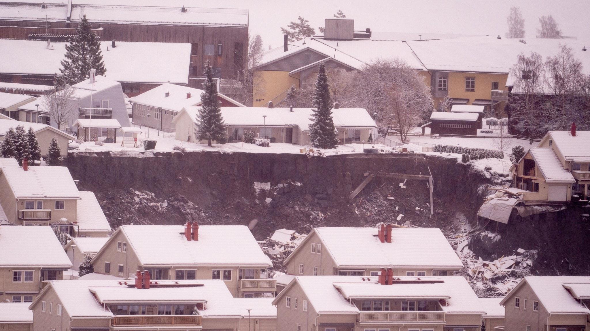 Hus i Gjerdrum i Norge och ett område som rasat.