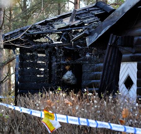 Ett hus gryningspyromanen satte eld på. Foto Johan Nilsson/ TT Bild