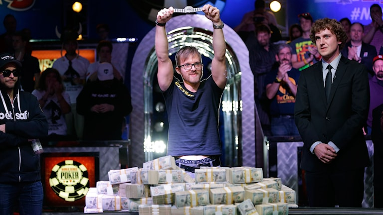Martin Jacobson vid alla sedlar han vann. Foto: John Locher/AP Photo/TT