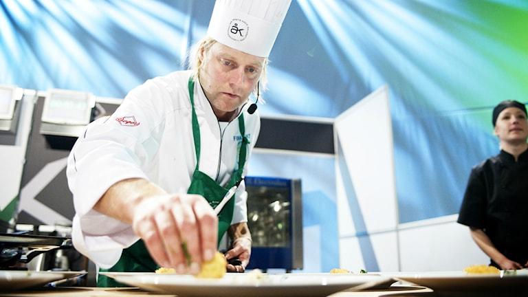 Gustav Trägårdh när han blev Årets kock 2010. Foto: Johan Engman/TT
