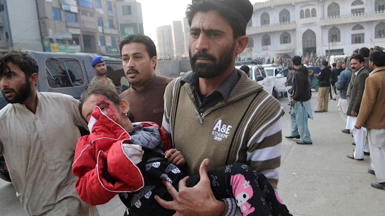 Många barn har dödats och skadats. Foto: Mohammad Sajjad/AP Photo/TT