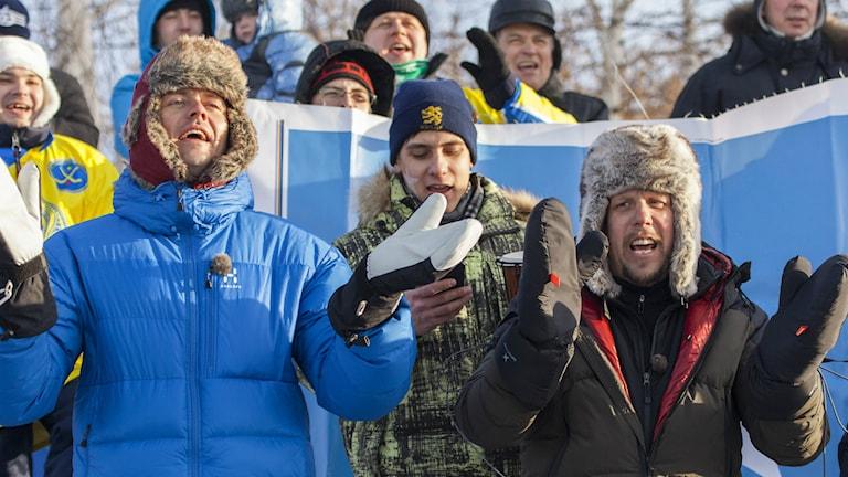 Fredrik Wikingsson och Filip Hammar under bandy-VM i Irkutsk. Foto: Skogkvist/SF Film