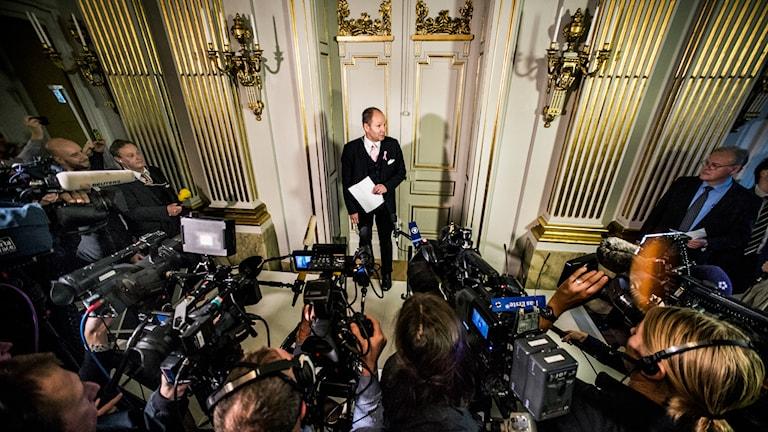 Peter Englund tillkännager Nobelpriset.  Foto:Lars Pehrson/TT