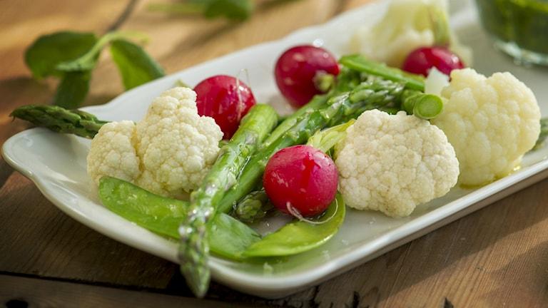 Tv-maten är redan en matklasiker, med hemagjord dip och färska grönsaker gör tv-maten god och nyttig. Foto: Leif R Jansson/TT