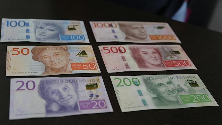 Nya sedlar. Foto: åsa Stöckel/Sveriges Radio