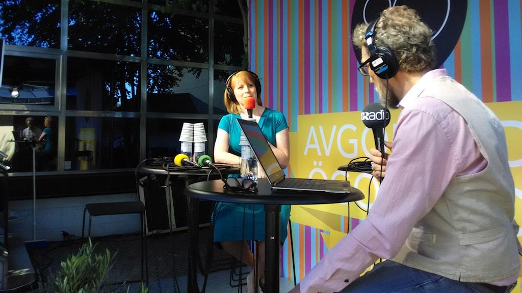 Annie Lööf intervjuas av Erik Blix. Foto: Jesper Cederberg/Sveriges Radio