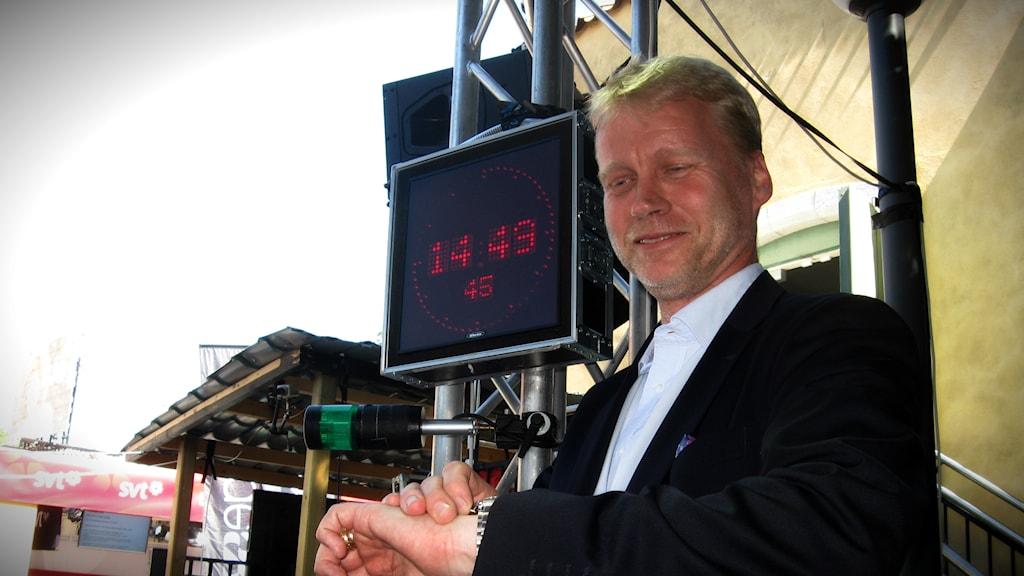 Olof Hedekvist, ansvarig för tidhållning på Sveriges tekniska forskningsinstitut. Foto: Jesper Cederberg/Sveriges Radio