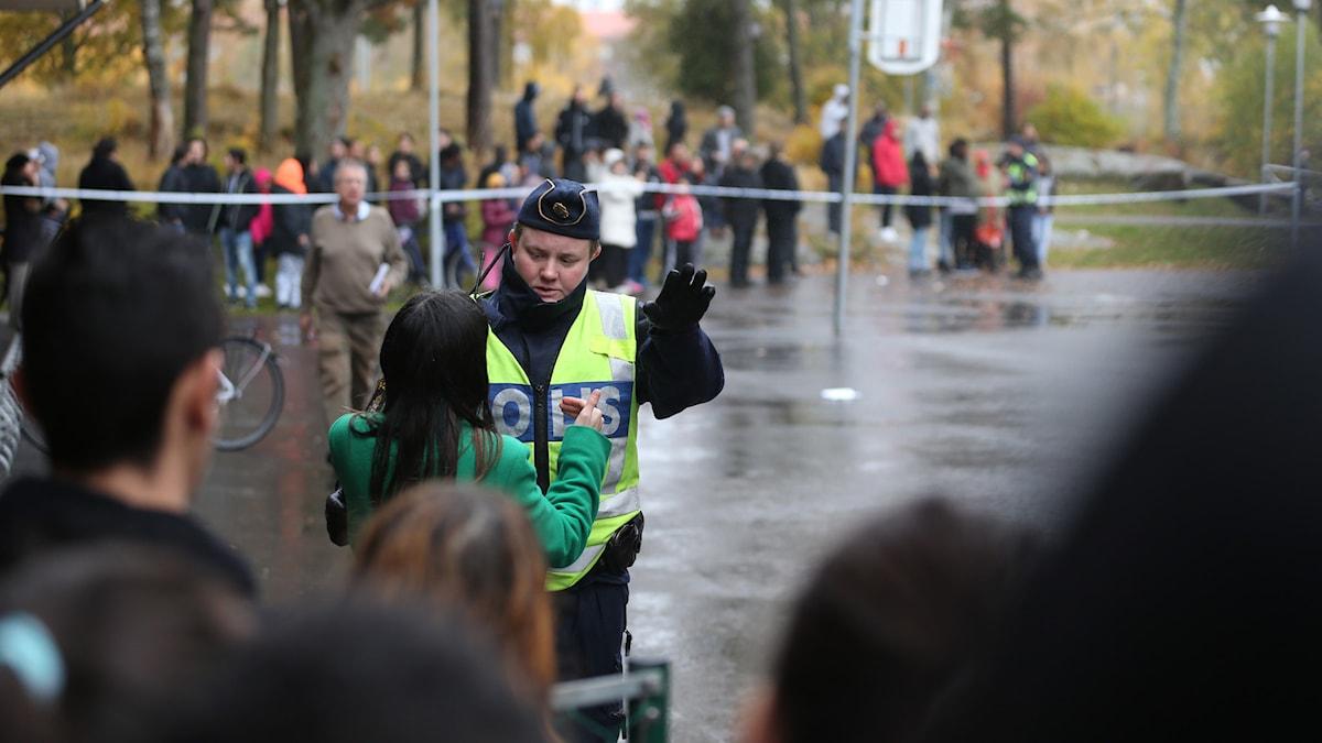 Polis, avspärrningar. Foto: Bjorn Larsson Rosvall/TT