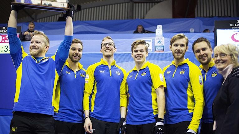 Lag Niklas Edin. Foto: Rune Pedersen/AP Photo/TT