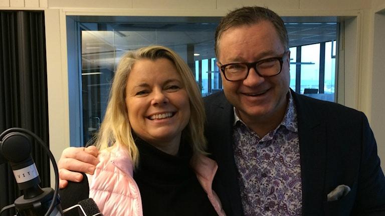 Carin Hjulström och Ulf Wagner i studion. Foto: Sveriges Radio