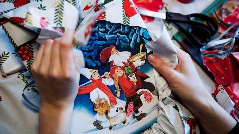 Paket och böcker. Foto: Vilhelm Stokstad/TT
