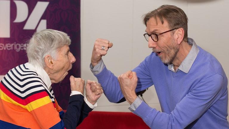 Erik och Carin boxas. Foto: Åsa Stöckel/Sveriges Radio