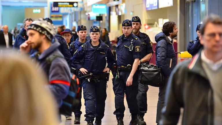 Poliser på Arlanda idag