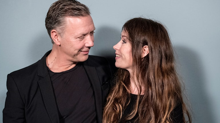 Mickael Persbrandt och Anna Odell