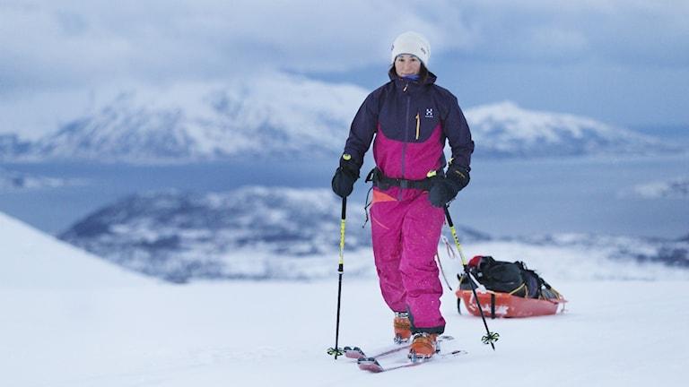 Johanna Davidsson åker skidor.