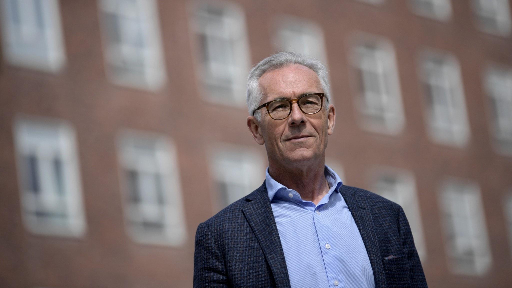 Professor Jan Albert