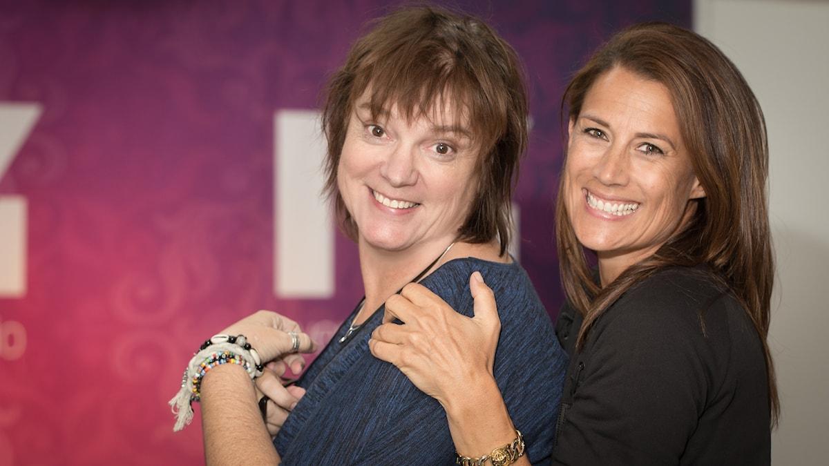 Lotta Bromé och Jill Johnson. Foto: Åsa Stöckel/Sveriges Radio