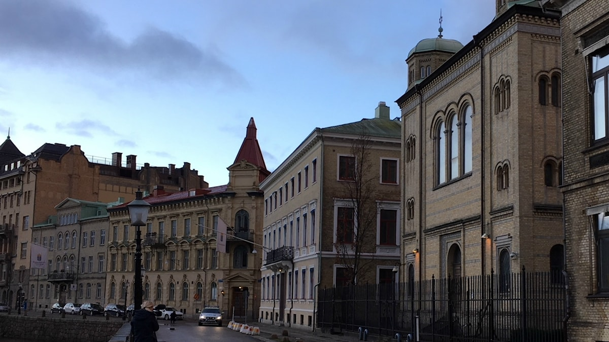 Synagogan i Göteborg dagen efter attacken.