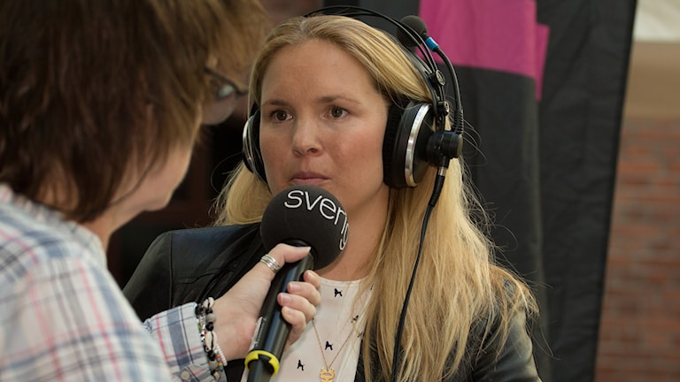 Anja Pärson och Lotta Bromé. Foto: Åsa Stöckel/Sveriges Radio