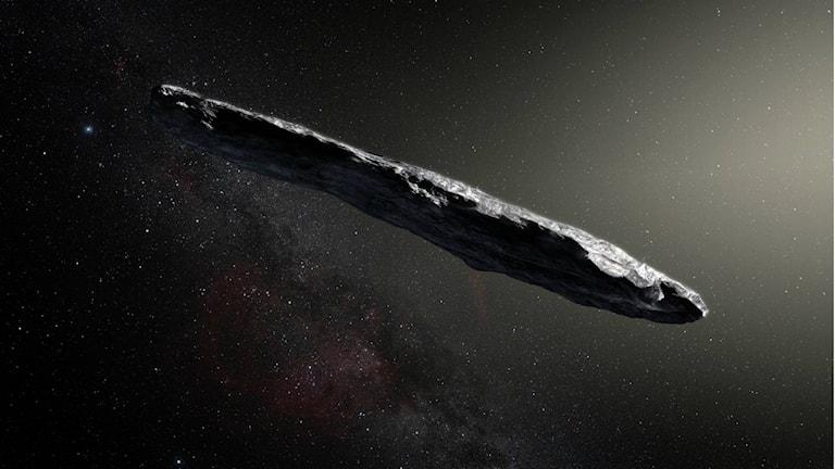"""Illustration av den första interstellära asteroiden """"Oumuamua""""."""