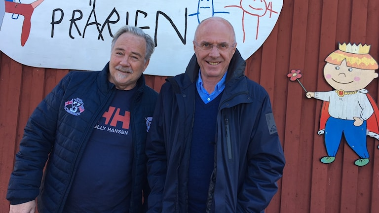 "Svennis får hjälp med clowneriet av sjukhusclownen Johnny ""Bulgo"" Lundgren."
