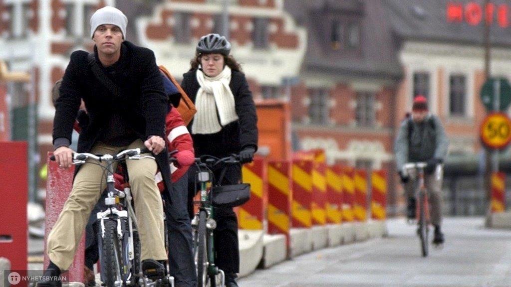 Hör du till dem som skyddar skallen eller skippar du cykelhjälmen?