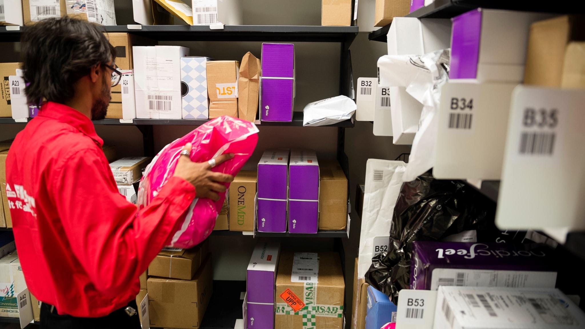 Köpcentrum hotas av e-handeln och sportlovet börjar idag