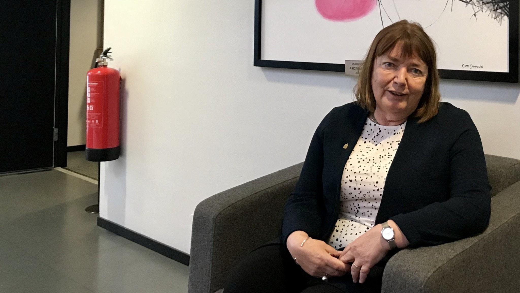 Hör om 52 nya lägenheter i Hovmantorp och Ingrid Burman som berättar om sina år som Landshövding