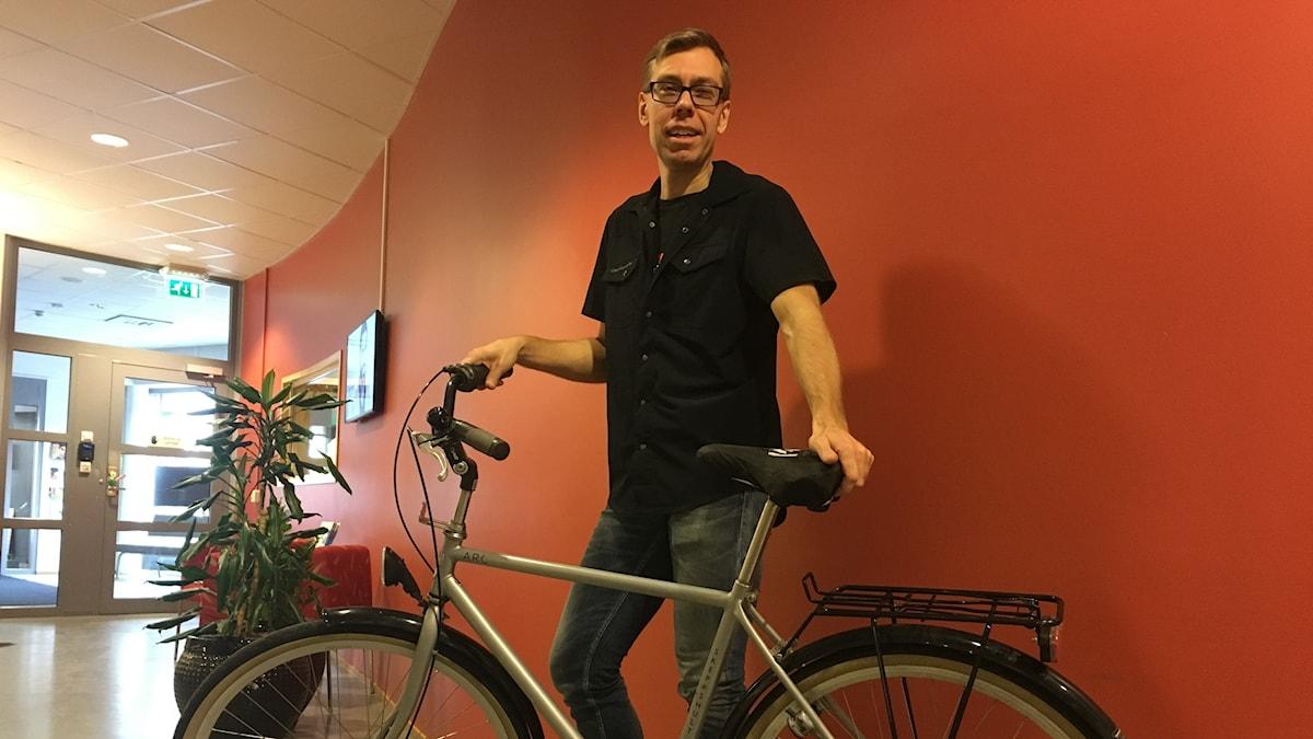 Cykelexperten Markus Eklund berättar hur vi kan förlänga livet på cykeln.