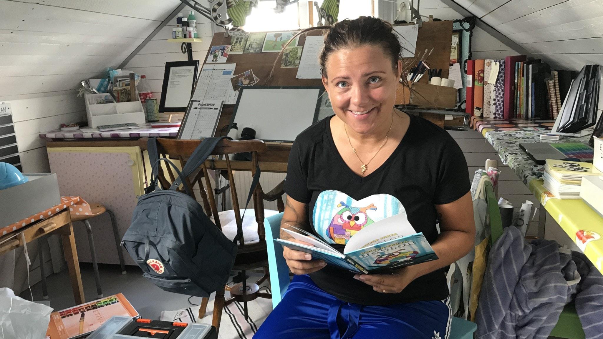 Ugglor och utrikeskorren Hanna Sahlberg