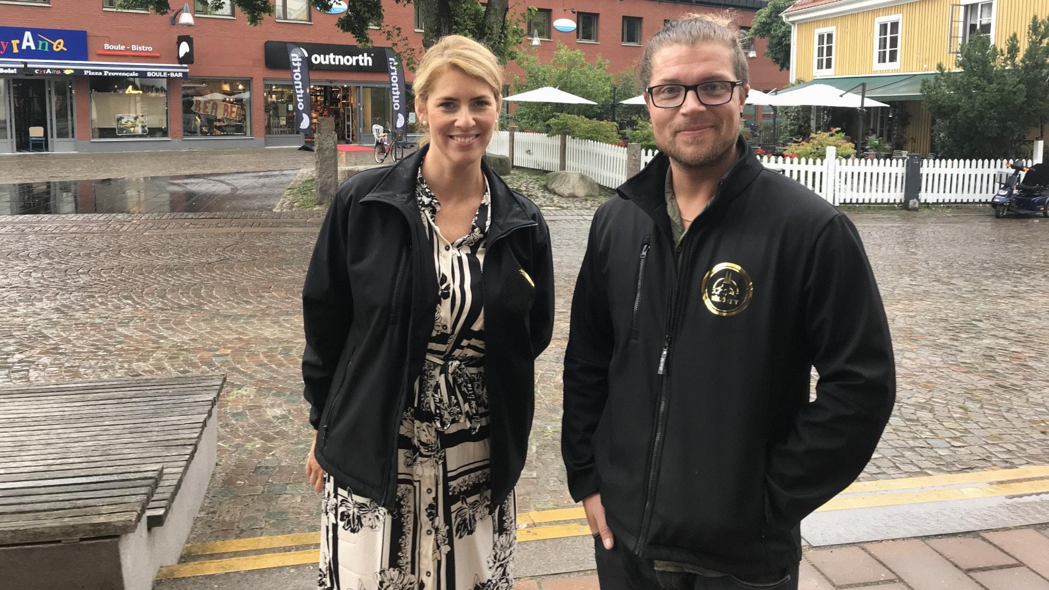 Vi hänger i Växjö city och får vara med på invigningen av restaurangskolan på Kungsmadskolan.