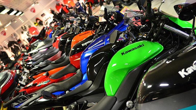 Massor av motorcyklar. Foto: Per Lundberg/Sveriges Radio