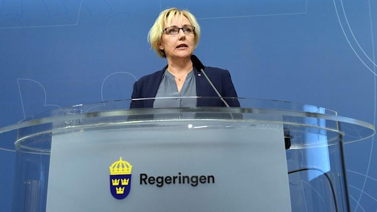 Shir saxaafadeed Helene Hellmark Knutsson.