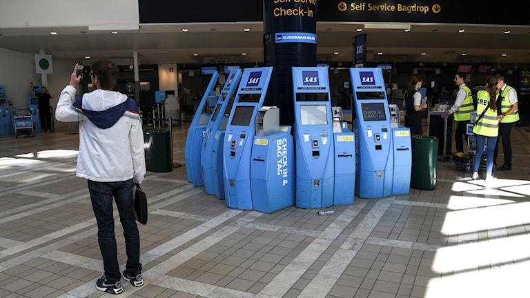 Tomt framför incheckningsterminalerna på Terminal 4 på Arlanda flygplats under pilotstrejken på tisdagen.