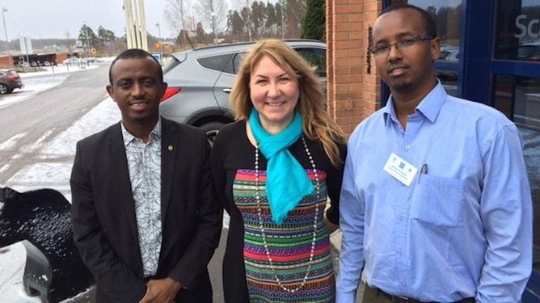 Mursal Ciise MP, Kerstin Erlandsson, Dalarnas universitet och Mohamed Khalid Ali, East Afrika universitetet. Foto: Kenadid Mohamed/Sveriges Radio.
