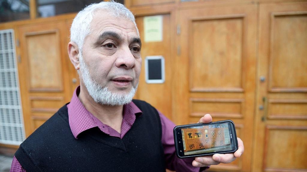 Mahmoud Khalfi imaam ka shaqeeya masjidka Medborgarplatsen.