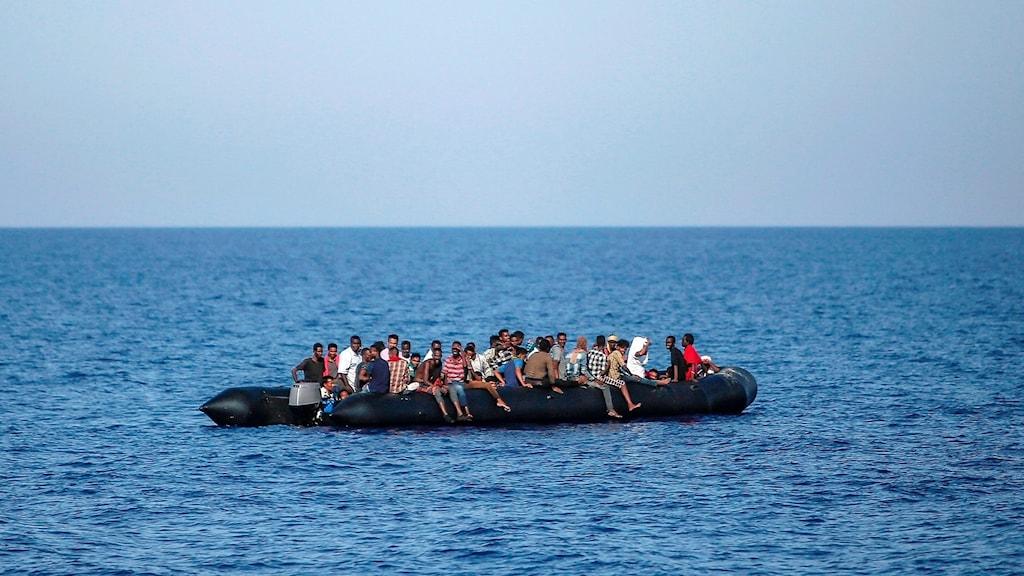 Migranter på medelhavet, 30 sjömil från Libyens kust. Bilden är tagen 6 augusti 2019.