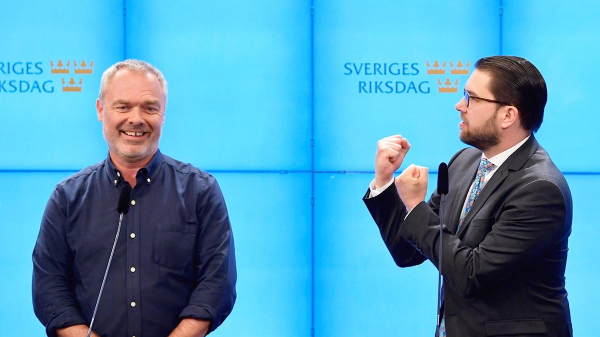 Jan Björklund (L) iyo  Jimmie Åkesson (SD).