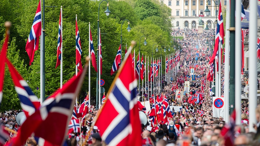 Barxadda Banetorget ee dhabbada Karl Johans ee magaalada Oslo, dalka Norway.