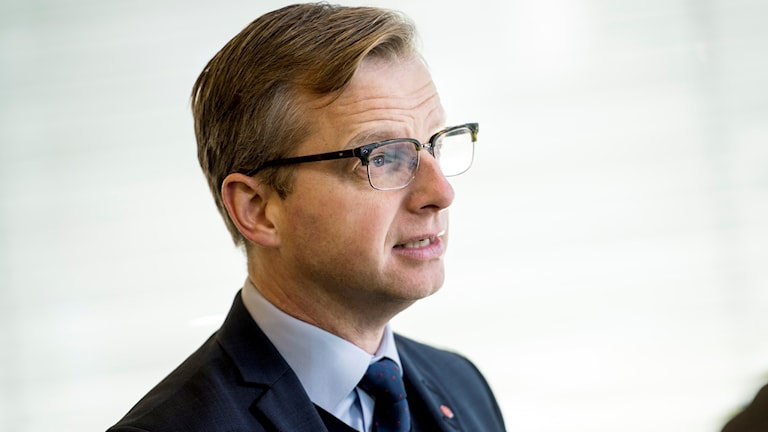 Wasiirka kheyraadka Sweden Mikael Damberg, (S)
